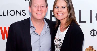 Savannah Guthrie is married to Mikefeldman since 2014 after her divorce with first husband.